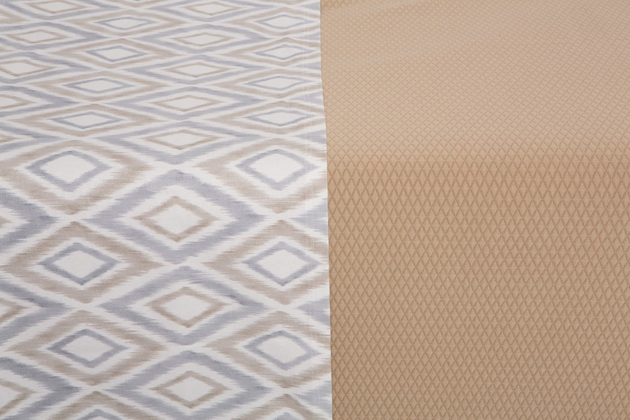 Bed Runner Grey & Caramel Diamond